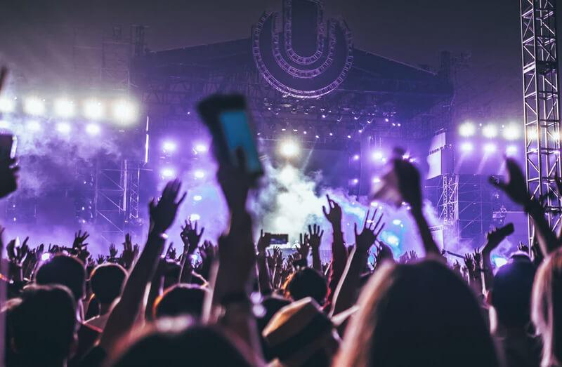 ストレス発散方法8:ヒトカラや好きな音楽を聴く・ライブに行く