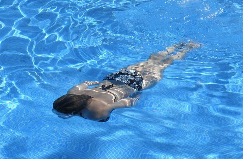プールダイエットで脚痩せが叶う!プールなら無理せず痩せる事が可能
